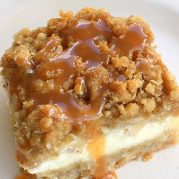 Streusel Cheesecake Bars